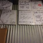 らーめんstyle JUNK STORY - JUNK STORY 内観 サイン