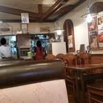 モンブラン 森下店 - 昔ながらの洋食屋さんの雰囲気ですね♪