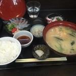 まるさん松本 - 淡路 うまづらはげ定食¥1620!(半身は造りで)