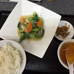 菜華 - 料理写真:清炒青梗菜とライス