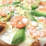 ジュリアーノ - 海老とアボカドのピザ