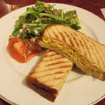 Salvador - 本日のホットサンドイッチ 玉子ハムチーズ