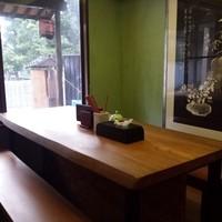 《木のぬくもり》カウンター・テーブル全て1枚板