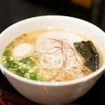 たいせい - 料理写真:塩らー麺(730円)+キズあり味玉(10円)