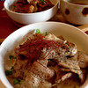 RIO - 料理写真:塩ダレの豚丼(奥は醤油ダレ) (2015.08現在)