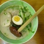王龍 - とんこつラーメン(黒い麺)移転前の写真です