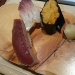 札幌シーフーズ - づけまぐろ、うに、炙りほっき