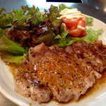 たるや鉄板焼 - 国産豚ロースステーキ ¥890