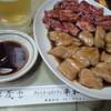 平和園 - 料理写真:20150903 17時前カルビ800円とミノ600円