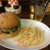 CAFE&BAR AMERICANO - 料理写真:エッグバーガー(990円+税)