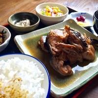 津居山産 こんきゅうの煮付け定食 ※期間限定