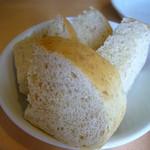 パスタビーノ - パン
