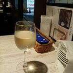 エカイエJP - グラス290円のワインってどーなのよ!?と思っちゃいますが、 これまた、イケる◎