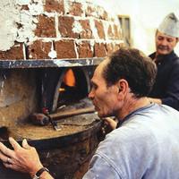 本場イタリアの自慢の薪窯で焼き上げるピッツァ