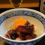 なかむら - 明石タコの旨煮と野菜の炊き合わせです、冬瓜、ニンジン、南瓜、包丁が美しく入っています