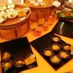 KHANHのベトナムキッチンGINZA999・Chi em - ここから3品選びます。
