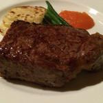 麤皮 - 炭焼きサーロインのステーキ
