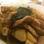 魚洋水産 - 名物 イカ肝炒め