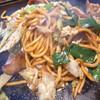 きん太 - 料理写真:ホルモン焼きそば850円