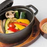 アボカドと野菜のオーブン焼きバーニャカウダ