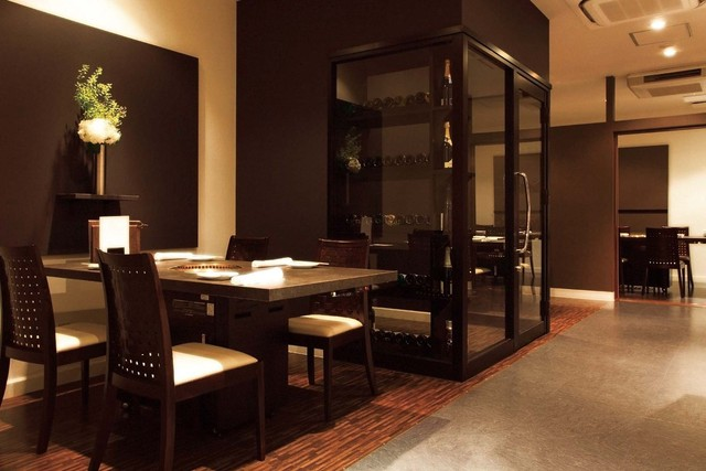 https://tabelog.ssl.k-img.com/restaurant/images/Rvw/4176/640x640_rect_4176897.jpg