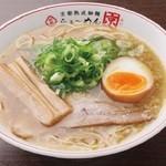 らぁ~めん京 - 鶏の旨味とたっぷり野菜の甘み、手間暇かけて完成させるぎをん白湯スープ  更に改良された熟成細麺!!ぜひお試しください!