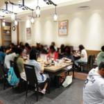 山本屋本店 - 味噌煮込みうどんを代表するお店『山本屋』。 新幹線で名古屋に着いて、すぐ食べられる駅ビル内にある『山本屋本店』。