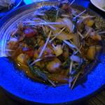灯 - シーフードと彩り野菜の胡麻味噌炒め。2015.09.11