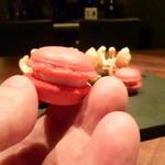 41854887 - フランボワーズのマカロン、酸味がアクセント