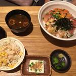 ほろほろ - 豪華海鮮丼定食