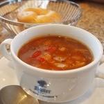 Sailer - 料理写真:ビーフスープにパン付き