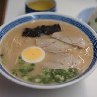 沖食堂 - 料理写真:ラーメン440円