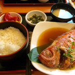 まぐろ食堂 七兵衛丸 - 定番となった金目鯛の煮付け定食 1,500円は 金目鯛の味自体がとても甘く、タレに負けていなくとても美味しくいただきました。  また訪れ、再度食べたいと思いました。