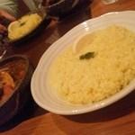 41932427 - 15.09.12:タメリクご飯にレモン