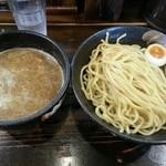 赤羽京介 - つけ麺 煮卵 830円