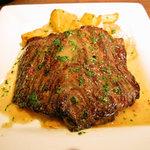 アバスク イチャスエタメンディ - 牛ハラミ肉のステーキ