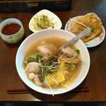 餃子房 ふーが - 料理写真:薬膳スープ餃子と大根のお焼き