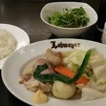 ローマイヤ - 豚スネ肉、ソーセージ、旬菜のドイツ風煮込み