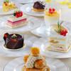 the lounge/ハイアット リージェンシー 那覇 沖縄 - 料理写真:彩り鮮やかな季節のスイーツを各種ご用意しております。