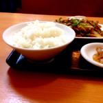 中国料理 東昇餃子楼 - 定食メニューの御飯。盛りはまあ普通かな。