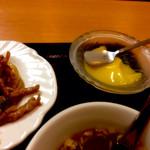 中国料理 東昇餃子楼 - 定食メニューにはほかにミニデザートがつくみたいです。こちらはマンゴープリン。一口サイズですけどね。