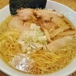 きくちひろき - 醤油味・中間(背脂少々)