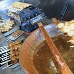 白木屋 - 五平餅を焼いています☆