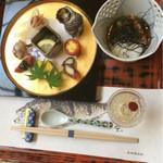大和屋別荘 - 料理写真:紙は5種類のお魚