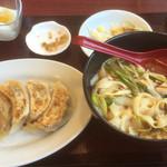 太公刀削麺 - 刀削麺+焼餃子セット 780円(税込842円)