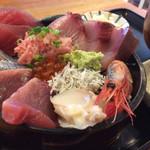 ろぐ亭 - 海鮮丼980円 ボリューム満点。 大満足! 鮮度も抜群でした! リピートします!