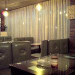 純喫茶 車 - 照明とカーテン、椅子何もかも素敵