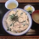 大阪屋 - カツ丼(750円)カツが一緒に煮こまれてないタイプです