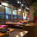 オムニ食堂 - 掘りごたつの座敷