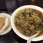 42113982 - 豚肉細切りと高菜麺+半チャーハン650円(税込)
